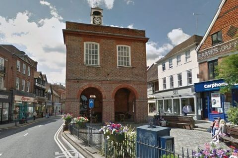 Driving lessons in Reigate Surrey