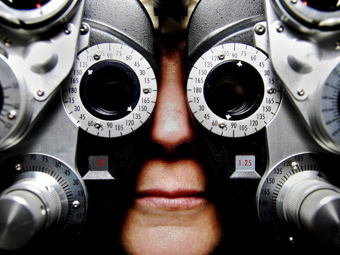 eyetest-equipment